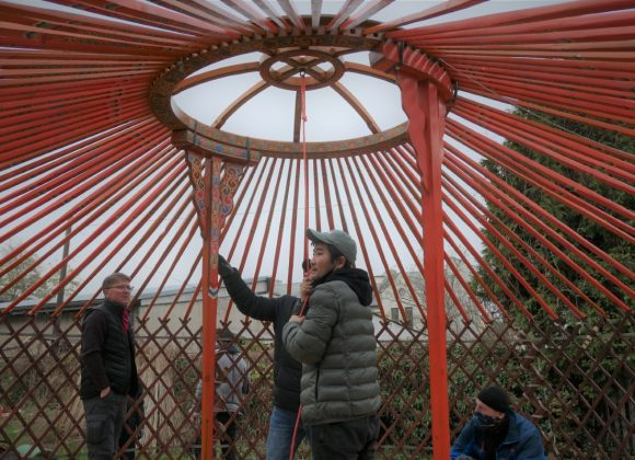 Nowa jurta w Budojo